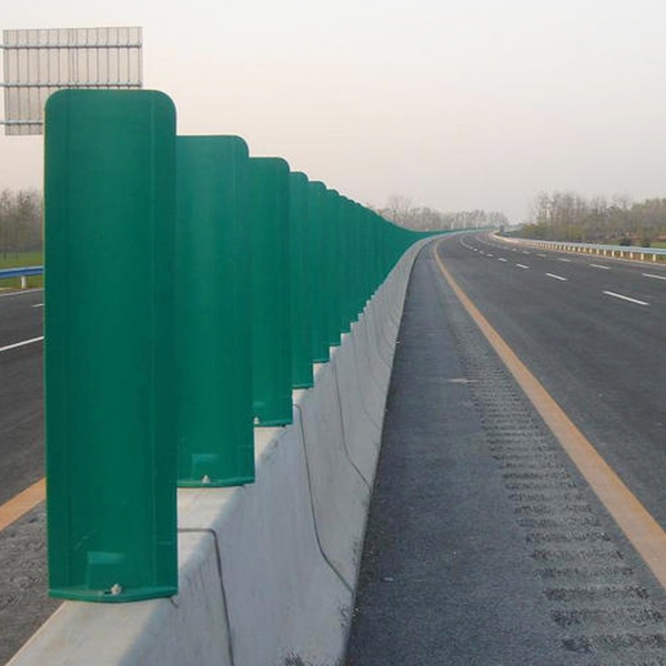 讲述防眩护栏板构造与设置原则
